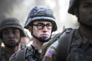 """""""Snowden"""": un erou cu pete la dosar"""