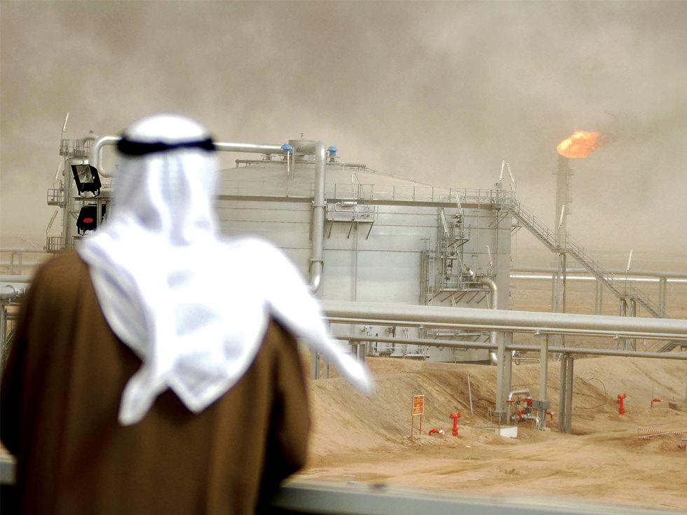 Preţurile petrolului sunt în creştere cu până la 6 dolari pe baril după atacurile cu drone din Arabia Saudită