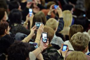 Peste 3,6 milioane de români și-au păstrat numărul de telefon, deși au trecut în altă rețea