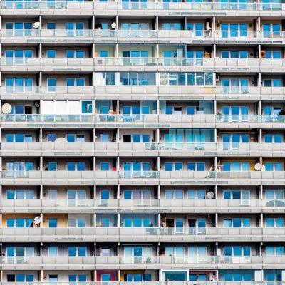 """Paraschivescu, despre viața în blocurile românești: """"Interfonul vecinului se aude la mine în apartament mai tare decât la el"""""""
