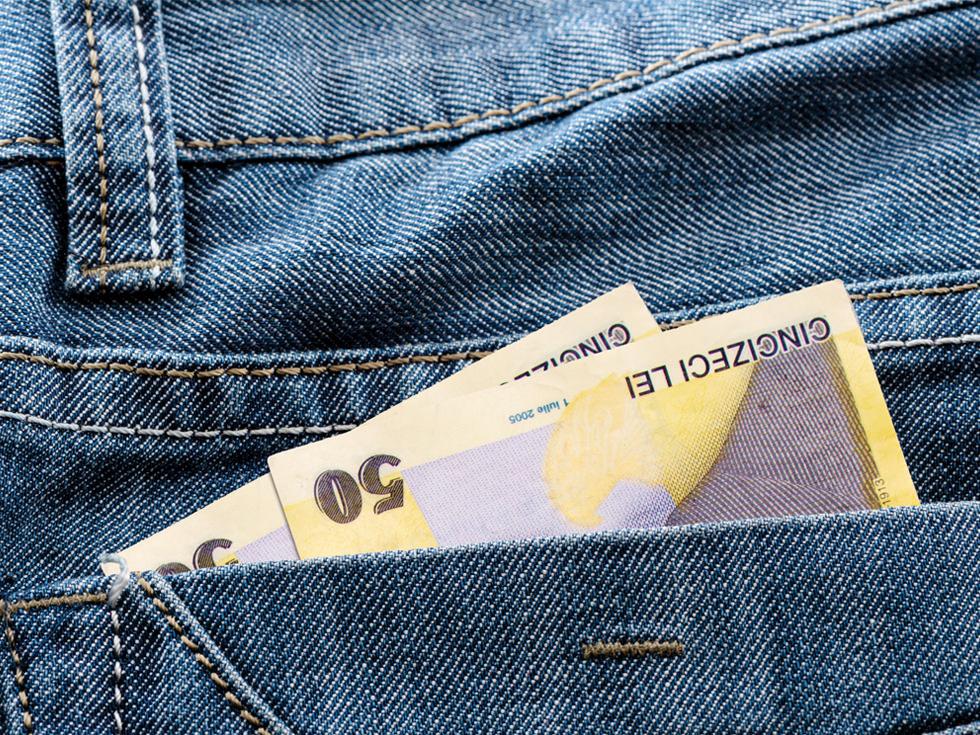 bani bancnote lei cash salariul buzunar_getty