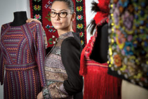 Modă românească get-beget: povestea brandului de fashion care a pus ia la loc de cinste în online