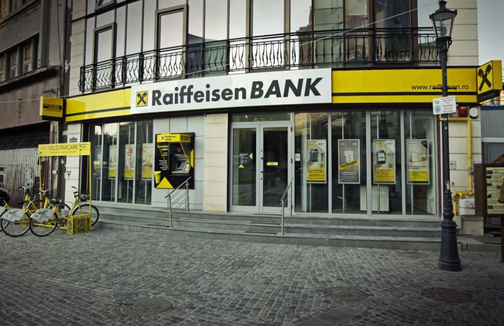 Raiffeisen Bank și-a dublat profitul în primul trimestru