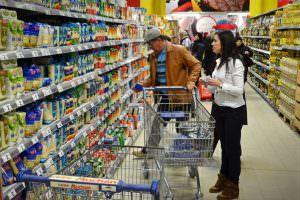 supermarket_hipermarket_cumparatori_clienti_raion_mediafax_newmoney