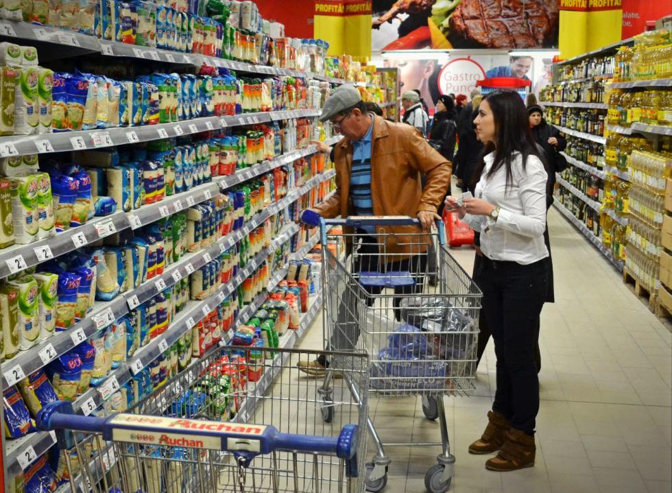 Latura întunecată a consumului. Diferența dintre importuri și exporturi se adâncește