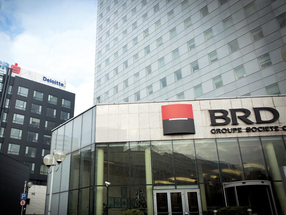 Cum au făcut băncile un profit de aproape un miliard de euro în 2016