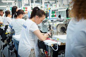 cusatorie_industria textila_laszlo raduly_newmoney