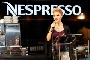 (P) Nespresso prezintă cea mai recentă inovație în materie de aparate de cafea: Aguila 220