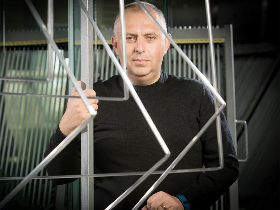 Bani din termopane: cum a reușit un antreprenor din Bacău sa producă ferestre de peste 23 de milioane de euro