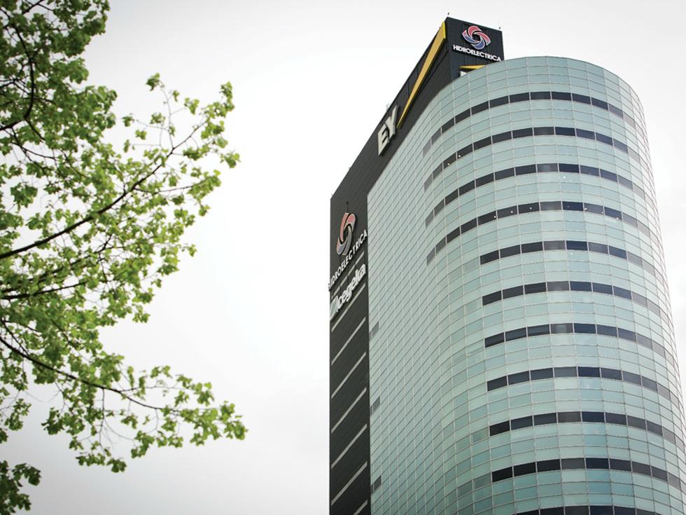 """Traseul Hidroelectrica: de la găurile lăsate de """"băieții deștepți"""" la cea mai valoroasă companie din România"""