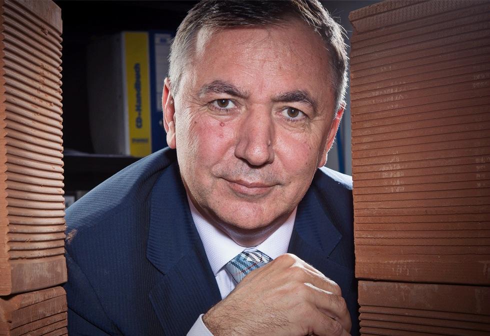 Omer Susli a cumpărat două locații în care funcționează magazine Praktiker