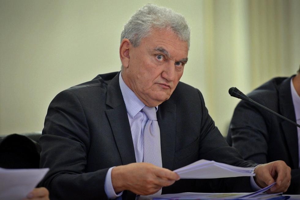 """""""Greu de ucis"""" în ultimul an: Mișu Negrițoiu a fost revocat de la șefia ASF"""