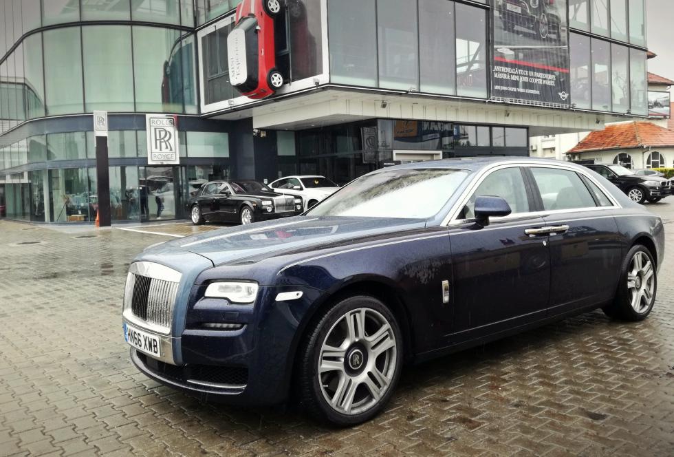 Vânzările de mașini de lux, mai rapide decât piața auto