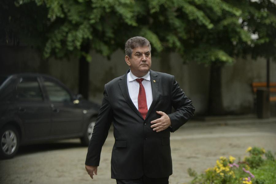 """RBL: O lege """"inventată"""" de Gabriel Oprea și dedicată polițiștilor încurcă 600.000 de companii din România"""