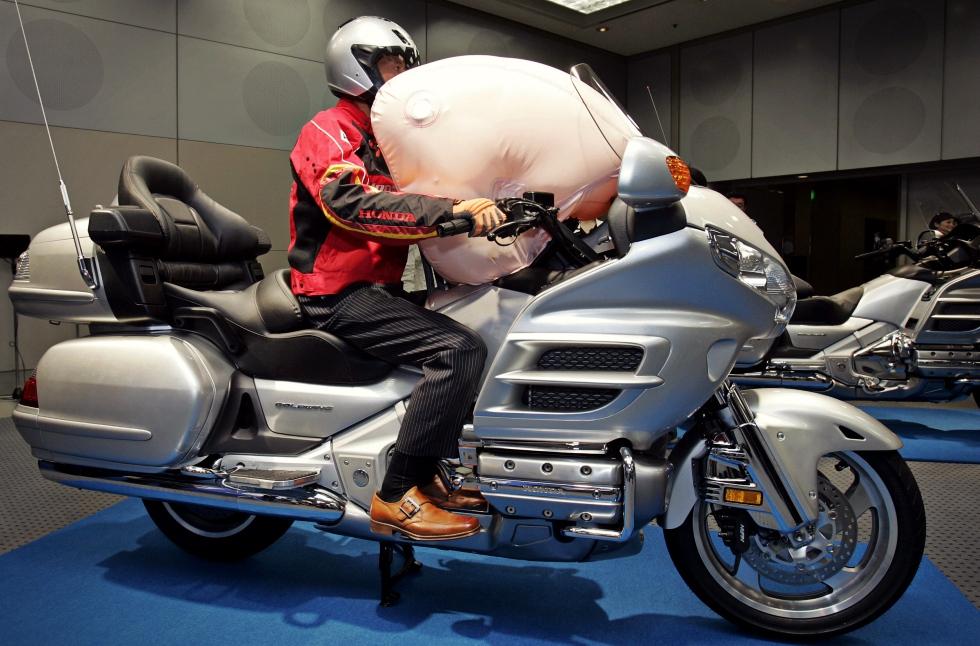 Producătorul de airbaguri Takata şi-ar putea cere falimentul