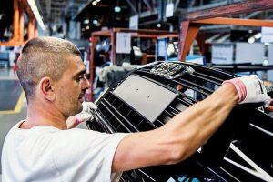 De ce România a devenit mai atractivă decât China pentru marii producători de componente auto