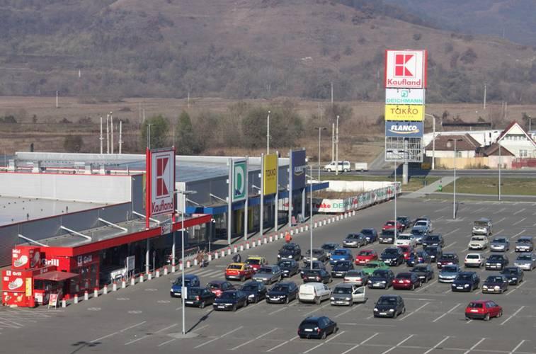 Tranzacție în imobiliare: Un grup belgian a cumpărat 11 proiecte de retail din România