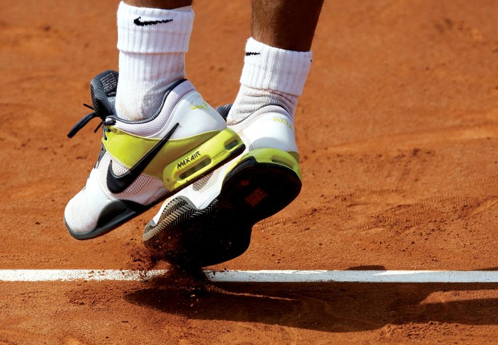 Nike vs. Adidas: cum gândesc capii unui business făcut pentru picioare