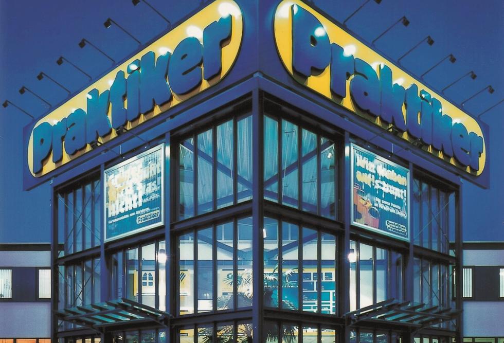 Praktiker România a redeschis alte trei magazine modernizate: Târgu Mureş, Satu Mare şi Braşov
