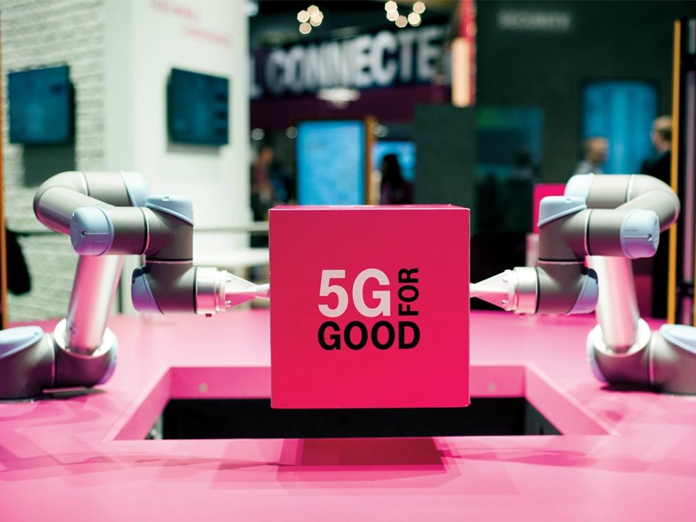 Telekom joacă la două capete: trece la 5G și, în același timp, continuă restructurarea de personal