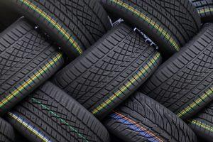 Ce recomandă producătorii de anvelope șoferilor care vor să conducă și eco și cu costuri mici