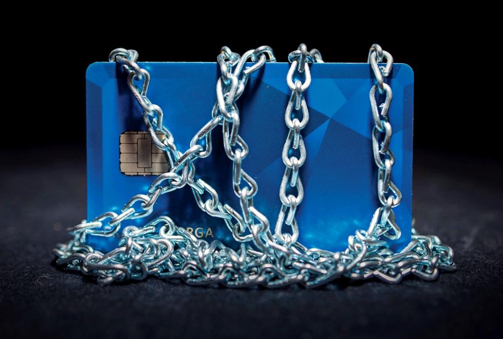 Bitdefender: Ce strategii au folosit pirații informatici pentru a da atacuri cibernetice avansate asupra băncilor din Europa de Est