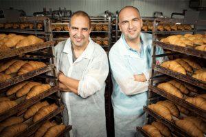 Doi frați din Galați fac peste 8 milioane de euro pe an din croissante pe care le vând până în Marea Britanie