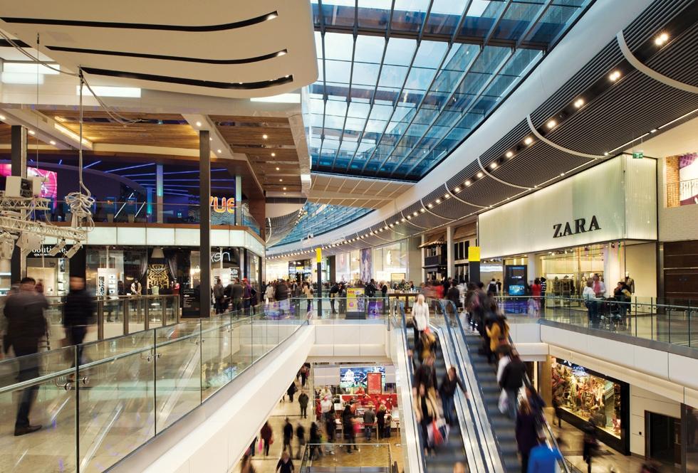 Unde vor să se extindă retailerii, după mulți ani în care s-au concentrat doar pe online
