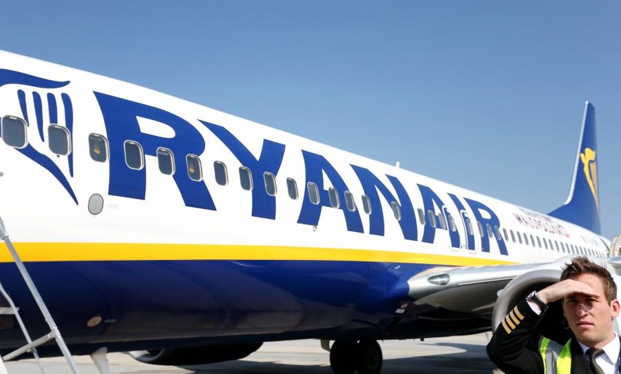De ce a anulat Ryanair 2.000 de curse. Cu ce probleme se confruntă cel mai mare operator low-cost din Europa