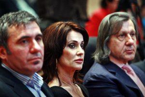 Opinie Radu Paraschivescu: De ce nu trebuie să faci nimic pentru țara ta