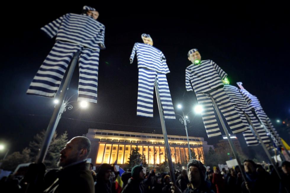 """România lucrului neterminat. Un an și trei luni, durata medie de """"viață"""" a unui ministru"""