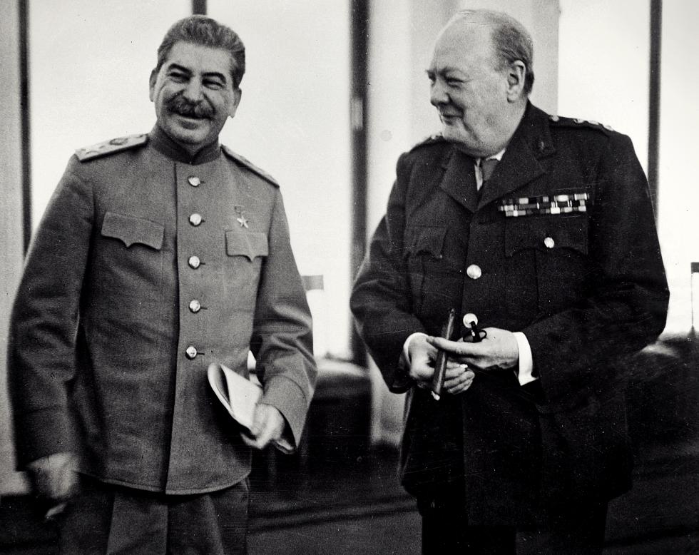 """""""Documentul obraznic"""" al lui Churchill. Ce interese l-au împins pe premierul britanic, acum 73 de ani, să lase estul Europei sub influența lui Stalin"""