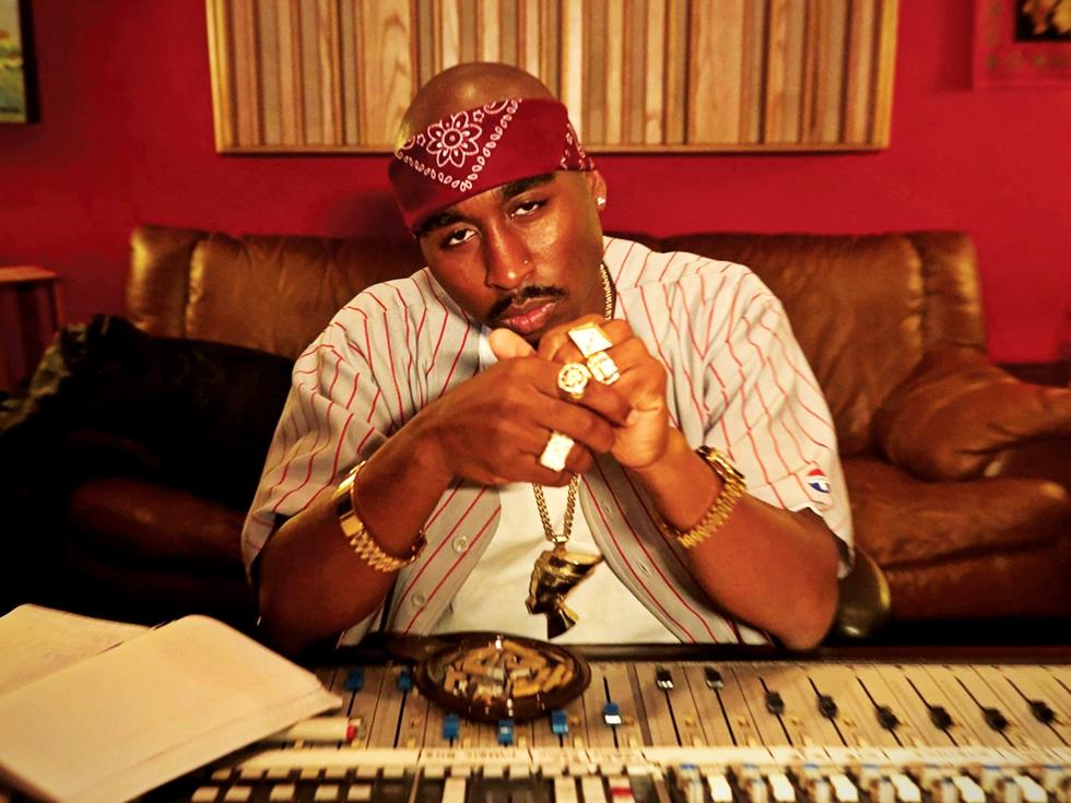 """Recomandare de film: """"All Eyez on Me"""" și momentele-cheie din viața lui Tupac, cel mai influent rapper din toate timpurile"""