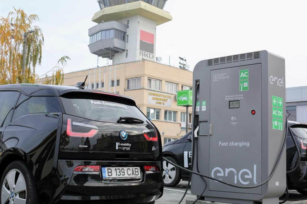 Enel deschide la Timișoara prima stație de încărcare a mașinilor electrice situată într-un aeroport