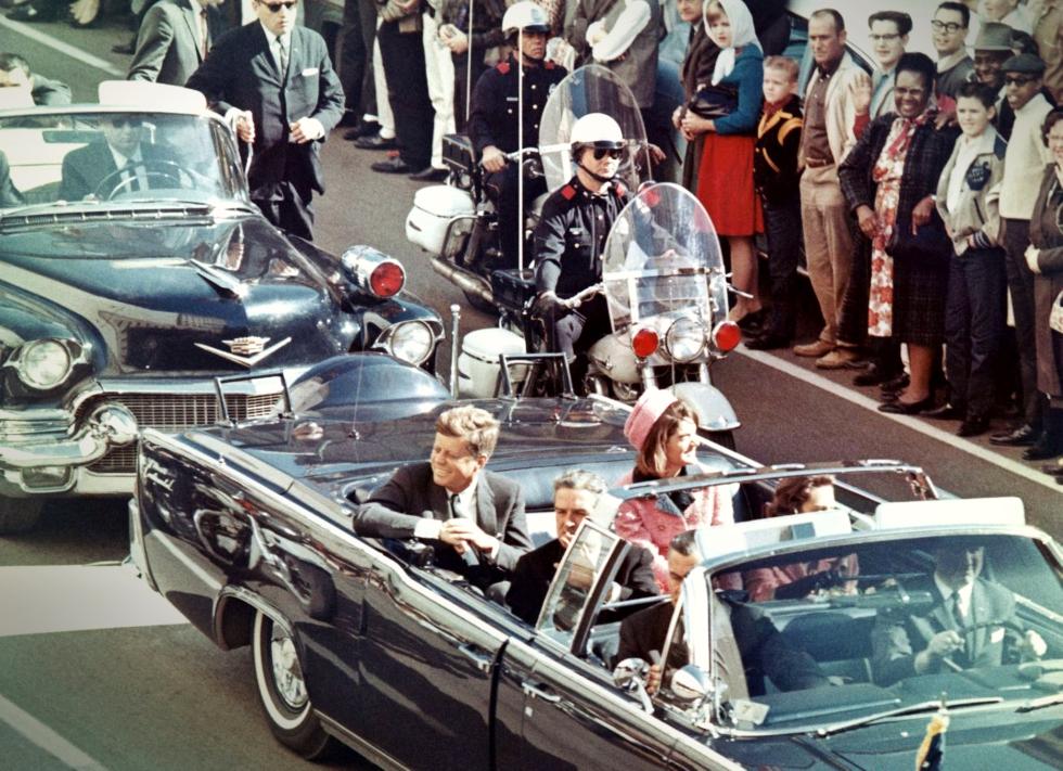 VIDEO Au trecut 54 de ani de la cel mai controversat asasinat din istorie. De ce nu va fi aflat adevărul