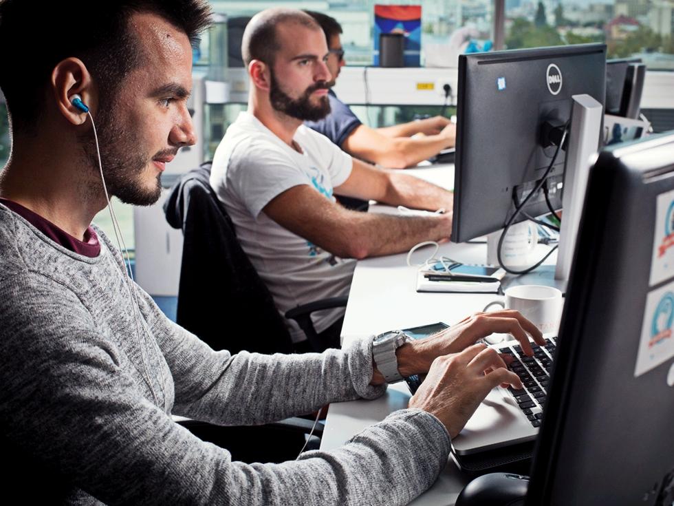 """Angajații din IT, despre impozitarea veniturilor: """"În companie domină frustrarea, angajații speră că o să fie cumva protejați de angajator"""""""