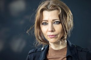 elif shafak_scriitoare_getty_newmoney