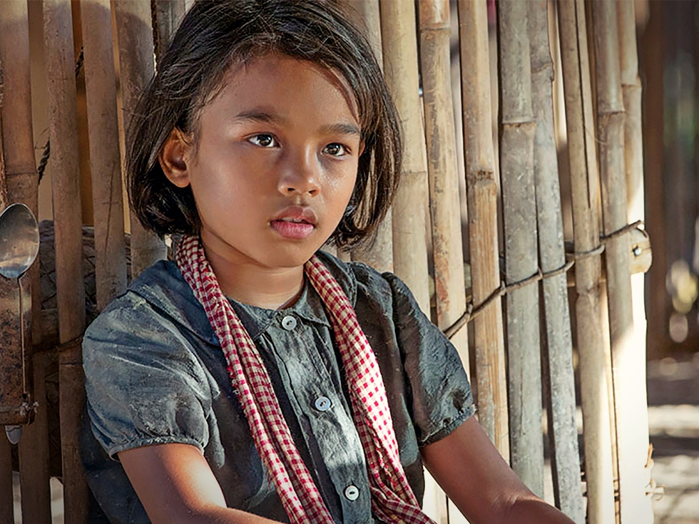 "Recomandare de film: ""First They Killed My Father"" și genocidul cambodgian din anii '70 văzut prin ochii unui copil"