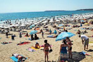 Câte sute de milioane de euro aduc voucherele de vacanță ale bugetarilor în industria turismului