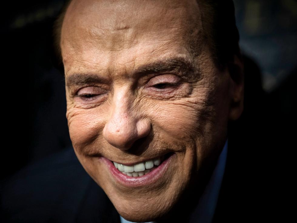 Silvio Berlusconi revine în politică, la 81 de ani. Lucrează 16 ore pe zi și învață să fie popular pe Facebook și Twitter