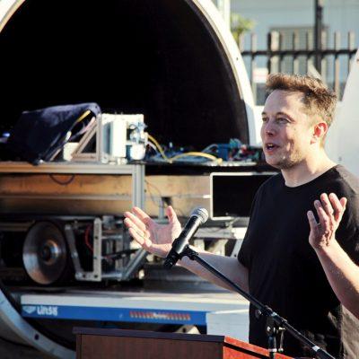 Totul despre cyberporcul lui Elon Musk. Cât de inovator este, de fapt, Neuralink