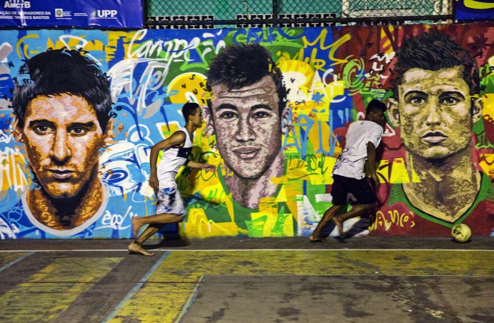 Messi, Ronaldo sau Neymar? Cine este fotbalistul cu cele mai mari venituri în acest sezon