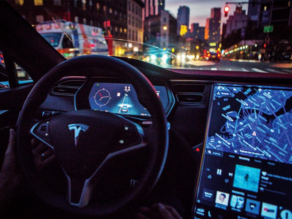 Capcanele mașinilor autonome: Cât de pregătiți suntem să ne lăsăm viețile pe mâna inteligenței artificiale
