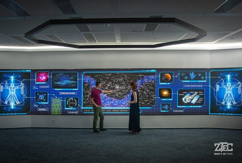 FOTO: Birourile uneia dintre cele mai mari companii IT românești arată ca o navetă spațială
