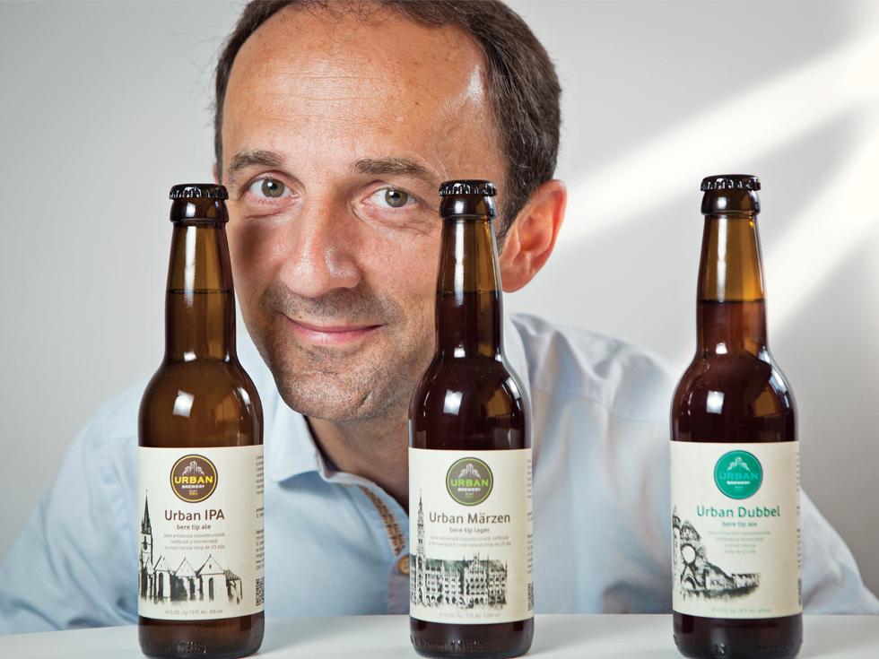 După ce au lucrat 20 de ani pentru alții, doi sibieni și-au deschis propria afacere cu bere artizanală