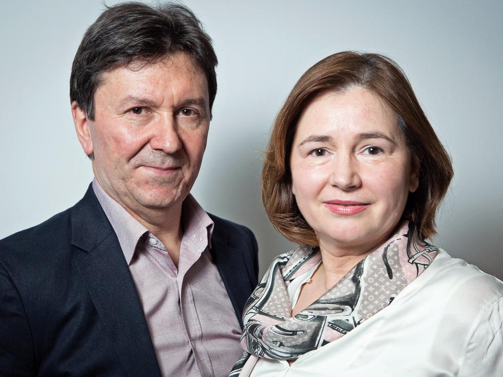 Doi antreprenori români fac milioane de euro punând roboții informatici la treabă