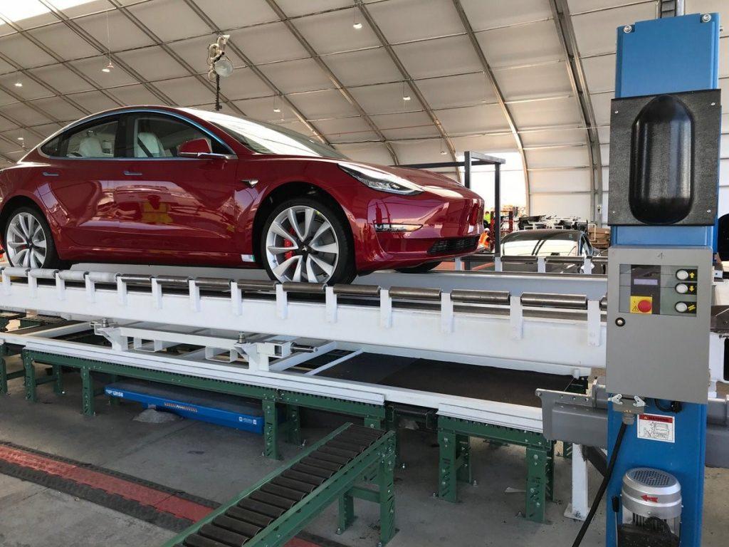 Schimbare de plan: Fondul suveran al Arabiei Saudite negociază o investiţie în compania care rivalizează cu Tesla