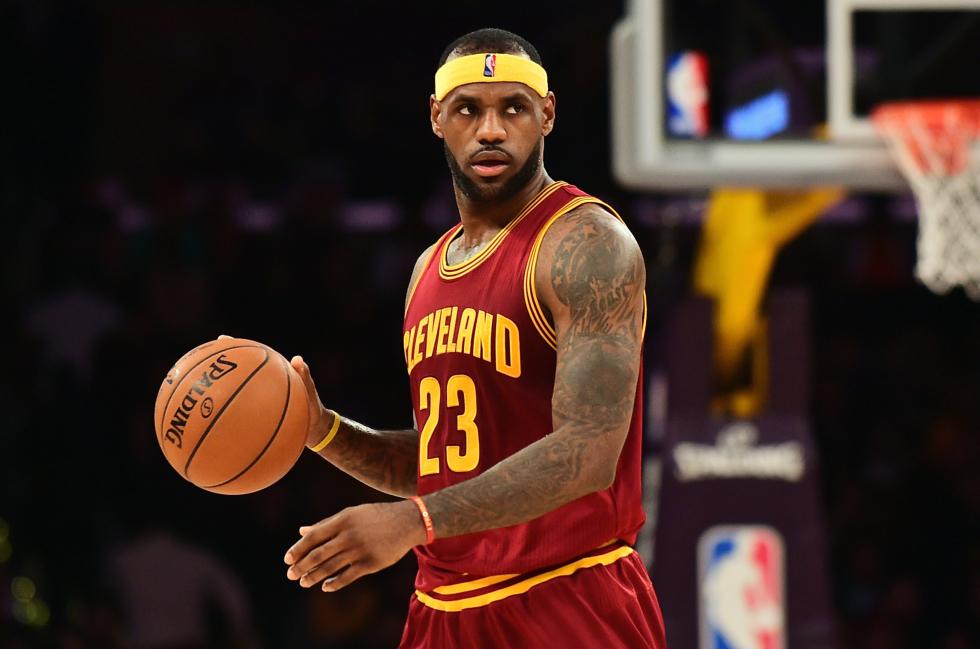 LeBron James a semnat cu Los Angeles Lakers. Va avea un salariu mai mare decât Cristiano Ronaldo