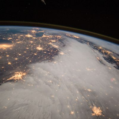 Câmpul magnetic al Pământului este din ce în ce mai slab. Oamenii de știință nu știu exact de ce