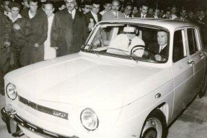 Dacia a împlinit 50 de ani. Ce mare minciună se află în spatele primei mașini care a ieșit pe poarta fabricii